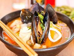Seafood Ramen Tom Yam Recipe – Japanese noodles is not foreign in the ears as some of the Japanese movie will definitely show this as an entree dishes daily. Actually how to make ramen noodles is not so difficult if we know the secret of the making of this Japanese ramen noodles.