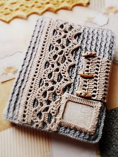 Vintage Book Cover crochet pattern by CrocheTrend