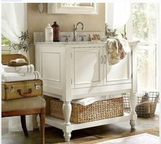 Shabby chic bathroom.... Or good for a mud room