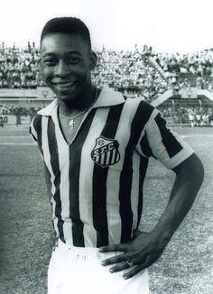 """Pelé - """"El único gol de cabeza importante que marcó Maradona fue con la mano"""""""