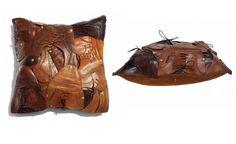 Baptiste Viry adora dar uma nova interpretação para objetos. Foi pensando nisso que ele criou essa almofada incrível feita com vários sapatos masculinos antigos.O patchwork foi costurado à mão, recebeu polimento com cera quente, camurça no lado oposto e no interior, estofo removível de penas macias. Como cada peça é exclusiva, o preço também é bem salgado: 1.000 euros.