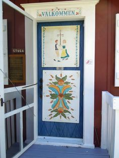 Swedish Door with midsummer dancers and  rosmålning style pattern