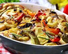 Cuisses de poulet et légumes d'été rôtis au four