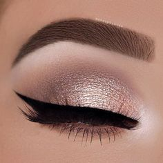 Makeup Eyeliner-Trends, Party-Augen-Make-up, Winged Eyeliner, Wie Hazel Eye Makeup, Natural Eye Makeup, Smokey Eye Makeup, Eyeliner Makeup, Hair Makeup, Small Eyelid Makeup, Makeup Emoji, Beauty Makeup, Golden Eye Makeup