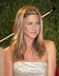 braided headband / Jennifer Aniston best hairstyle