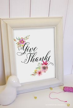 How do you remember to give thanks during the holidays? This printable is the perfect addition to your fall decor, & a great way to remember to be thankful.
