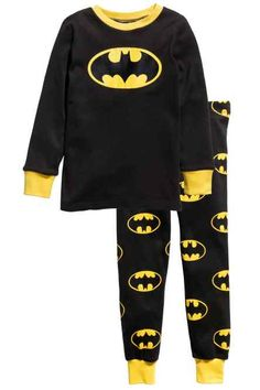 Size or 6 Jersey Pajamas Baby Clothes Patterns, Girl Dress Patterns, Crochet Baby Clothes, Cute Baby Clothes, Pijama Batman, Pajama Outfits, Baby Boy Outfits, Kids Outfits, Kid Outfits
