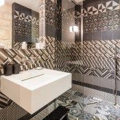 Yndo Hotel Bordeaux, a great luxury hotel for a city stay. Amazing tile work in the bathroom. Bordeaux, Hotels In France, Hotel Stay, Hotel Reservations, Bathroom Styling, Fashion Room, Beautiful Interiors, Interior Styling, Traveling By Yourself