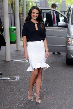 Bild från http://www3.pictures.stylebistro.com/bg/Jordana+Brewster+Dresses+Skirts+Pencil+Skirt+vdbVTLC3XpIl.jpg.