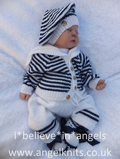 MATELOT…Sailor sets with romper or cardigan and trousers with hats and booties too. Ravelry: MATELOT…Sailor sets with romper or cardigan and trousers with hats and booties too. pattern by Karen Ashton-Mills Baby Boy Knitting, Baby Knitting Patterns, Baby Patterns, Vestidos Bebe Crochet, Sailor Baby, Baby Overall, Baby Layette, Knitted Baby Clothes, Newborn Crochet