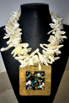 #collar elaborado en #madreperlas #atrapasueños en #swarovski #bysimmonds #joyasdeautor #necklace