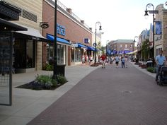 The South End of the Promenade Walk to All The WaterFront Shopping at the Landing, Branson, MO