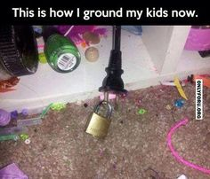 Yep that's the way to do it lol That floor is disgusting. Parenting Win, Parenting Done Right, Parenting Hacks, Funny Parenting, Practical Parenting, Foster Parenting, Haha, Do It Yourself Furniture, E Mc2