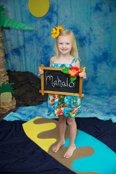 Luau / Hawaiian Birthday Party Ideas | Photo 1 of 18 | Catch My Party