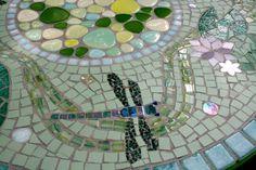 Table mosaïque libellules et nénuphars