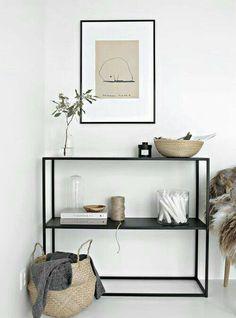 Guarda questo articolo nel mio negozio Etsy https://www.etsy.com/it/listing/512910930/consolle-da-ingresso-in-metallo-minimal