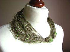 GrEen LeAFs TurKmenT- linen necklace    100% Handmade    Colors  •linen-beige  •green    Materiais:  •linen  •natural turkmenit  •glass beaded