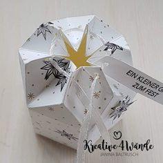 ANLEITUNG | Box mit Sternverschluss | Kreative4Wände | Bloglovin' Origami Paper, 3d Paper, Stampin Up, Scrapbook Box, Scrapbooking, Cool Paper Crafts, Diy Papier, Paper Packaging, Christmas Gift Box