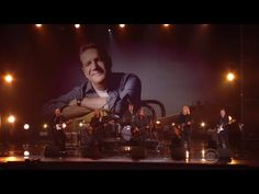 Members Of The Eagles And Jackson Browne Pay Tribute To Glenn Frey At The Grammys Glenn Frey, Jackson Browne, Take It Easy, Music People, Entertainment Weekly, Eagles, Country Music, Vinyl Records, Musicals