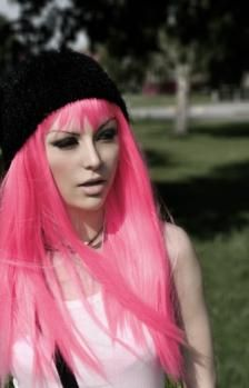 People that can pull off pink hair