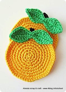 Scuola di Uncinetto: tutorial mela sottobicchiere    crochet apple