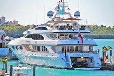 Super Luxury Yacht Quantum Of Solace at Miami Beach Marina. Yachting Club, Yacht Cruises, Buy A Boat, Private Yacht, Yacht Interior, Interior Design, Float Your Boat, Cool Boats, Boat Stuff