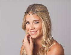 How do you wear it? - Round Crystal Strand Headband in Pewter - Enjoy this ultimate crystal luxury for your special day #janetran #swarovski