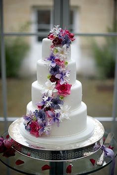 Rachelles Beautiful Bespoke Cakes, this lady makes the most wonderful cakes