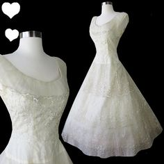 Vintage 50s Full Skirt Tulle Tiered Wedding Dress by pinupdresses