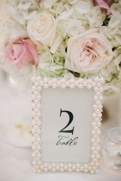 DIY wedding planner with ideas and tips including DIY wedding decor and flowers. Everything a DIY bride needs to have a fabulous wedding on a budget! Mod Wedding, Dream Wedding, Wedding Day, Spring Wedding, Trendy Wedding, Wedding Blog, Elegant Wedding, Classy Wedding Ideas, Perfect Wedding