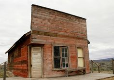 Old General Store, Fort Rock, OR by swainboat on flckr
