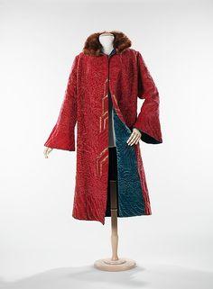 Evening coat Date: ca. 1925 Culture: French Medium: silk, fur, metal Dimensions…