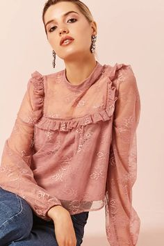 Product Name:Lace Ruffle Top, Category:top_blouses, Price:19.9