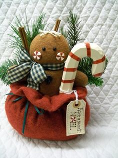 This is an adorable Christmas decoration to sit on a shelf or desk. I have sewn it all from felt. It is about 11 inches tall and 8 inches wide. Gingerbread Christmas Decor, Gingerbread Crafts, Gingerbread Decorations, Decoration Christmas, Felt Christmas Ornaments, Noel Christmas, Primitive Christmas, Winter Christmas, Christmas Decorations