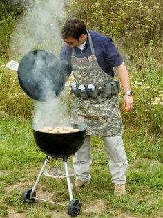 Ser soldado con mandil; buena idea!