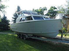 28' Marinette Hardtop Express All Aluminum Boat fuel efficiant