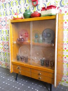 Vintage Sixties wooden China cabinet 2