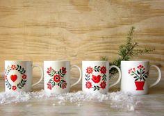 Vintage Mugs  Scandinavian Folk Art Style Set of 4 Mugs New in Box