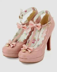 Pretty shoes in lolita style in pink. Pretty shoes in lolita style in pink. Rosa High Heels, Pink High Heels, Pink Pumps, Pumps Heels, Green Heels, Bow Heels, Blush Heels, Pretty Shoes, Beautiful Shoes