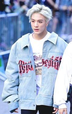 white hair jeno was superior Nct 127, Jeno Nct, Rapper, Korea, Sm Rookies, Huang Renjun, Fandoms, Entertainment, Na Jaemin