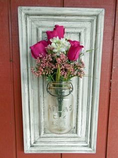 Mason jar vase on repurposed cabinet door. What to do with some of my lidless mason jars. Decoration Shabby, Decoration Bedroom, Diy Home Decor, Wall Decorations, Old Cabinet Doors, Old Cabinets, Cabinet Door Crafts, Art Cabinet, Kitchen Cabinets
