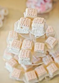 Monogrammed petit fours. Photo by Kari Crowe Photography. #wedding #food #petit #four