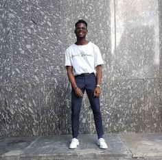The 1461 White Mono shoe. Worn by showkid. Dr Martens Outfit, Doc Martens, Dope Fashion, Mens Fashion, Normcore Fashion, Fashion Tips For Women, Street Style Looks, Cool Suits, Street Wear