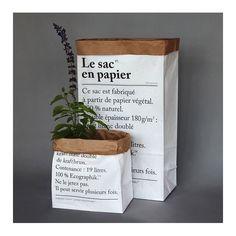 The petit sac en papier, latest of our range of paper bags, is a paper bag made of organic paper, natural. Size : 25 x 15 x 52 cm Capacity : 19 litres Le Petit Sac En Papier-new l x w