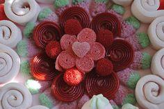 LOS DETALLES DE BEA: Una tarta de boda para mis compañeras de trabajo... Sweet Trees, Sweets, Candy, Birthday, Desserts, Gifts, Ideas Para, Food, Pastel