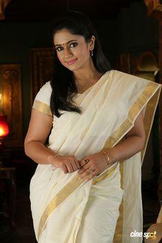 Indian Hot Actress Poonam Bajwa Latest Stills In Traditional White Saree Beauty Full Girl, Beauty Women, Hot Actresses, Indian Actresses, Pooja Chopra, Kerala Saree, White Saree, Heroine Photos, Malayalam Actress