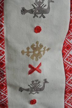 Batoh s motívom vták hrbáč (červeny-biely-hnedy)