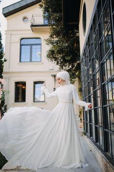 Bridal Hijab, Muslim Wedding Dresses, Prom Dresses, Prom Couples, Wedding Couples, Cute Couples, Modest Wear, Hijab Fashion, New Dress