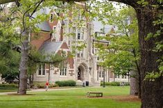 21 College Campuses That Make You Feel Like You're At Hogwarts