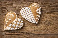 Heart Cookies, Gingerbread, Biscuits, Sweet Treats, Delicate, Desserts, Food, Ideas, Valentines Day Cookies